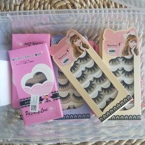 Box of eyelashes